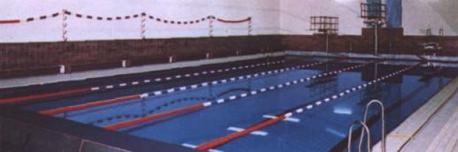 http://www.rundumsschwimmen.de/Sportstaetten/NRW/willy_hallenbad.jpg